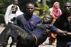 ناجون من مذبحة الجامعة الكينية : المسلحون أذلوا الطلاب المسيحيون قبل قتلهم .. واجبروا فتيات علي تلطيخ أنفسهم بدماء اصدقائهم