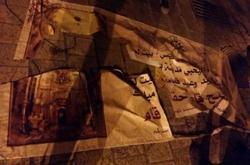 بالصور .. متطرفون يمزقون ملصقات ويافطات عيد القيامة بـبيت لحم مهد المسيح