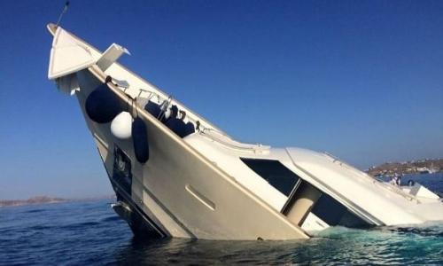 إنقاذ 26 سائحا بعد غرق