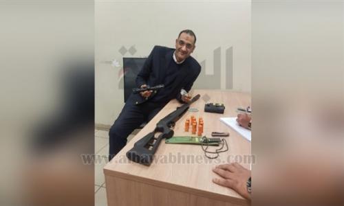 بالصور.. ضبط أمريكي بحوزته بندقية قنص بمطار القاهرة
