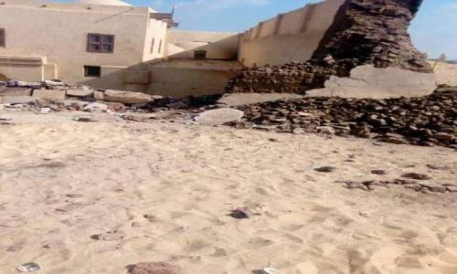 مصدر فى آثار المنيا : طالبنا دير أبوفانا بترميم السور قبل انهياره