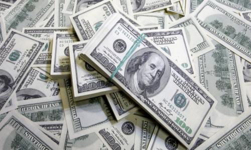 الدولار يسجل أدني مستوي في أسبوعين بنهاية تعاملات اليوم الأربعاء