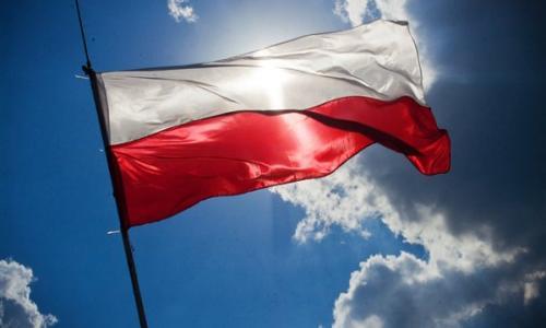 بولندا تدين البصق على سفيرها في إسرائيل: اعتداء عنصري عنيف