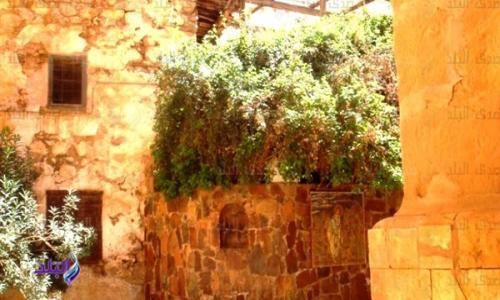 اخلع نعليك عند دخولك .. كنيسة العليقة التاريخية.. خبير آثار يكشف لنا أسرارها .. صور