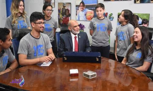 طلاب مدرسة يتبرعون ب 350 ألف جنيه من مصروفاتهم لمرضى السرطان بشفاء الأورمان