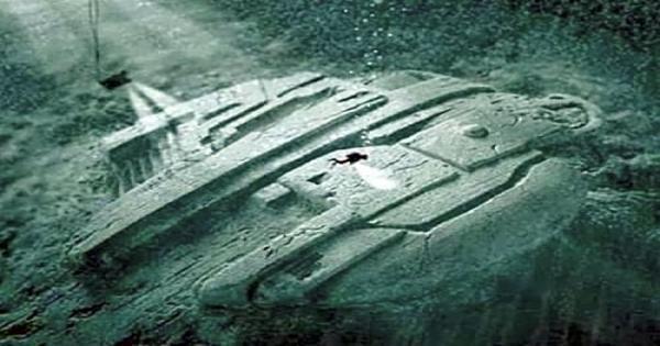 بالصور | اكتشاف غريب تحت سطح مياه بحر البلطيق.. البعض اعتقد أنها بوابة للجحيم