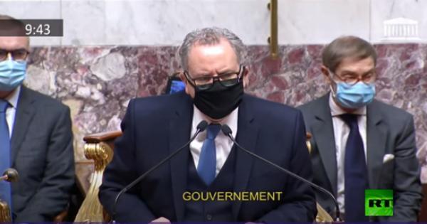 فيديو.. دقيقة صمت في البرلمان الفرنسي بعد هجوم نيس