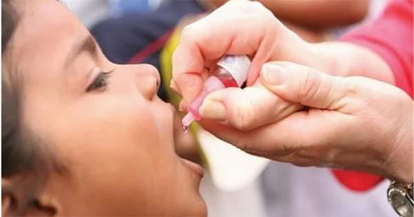 من الخنق إلى الشلل .. ماذا يحدث للفرد عند امتناعه عن تناول التطعيمات؟