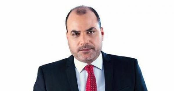 محمد الباز لـ أسامة هيكل بعد منع دخول الكاتبة فاطمة سيد: وزير يفتقد للياقة وغير جدير بالثقة