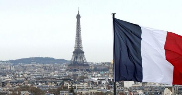 مظاهرات في فرنسا بعد مقتل المعلم صموئيل باتي قرب باريس