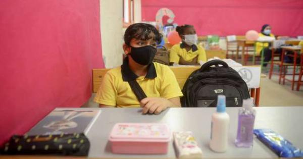 الصحة تكشف تفاصيل إصابات كورونا بالمدارس: 49 طالبا ومعلما وإداريا وعاملا