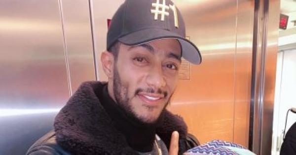 محمد رمضان: مفيش مجال أسأل كل واحد عن جنسيته ودينه.. فيديو
