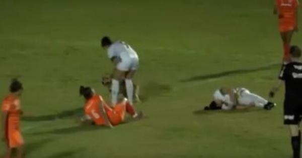 كلب يقتحم ملعب مباراة نسائية بالدورى البرازيلى ويصيب لاعبة .. فيديو