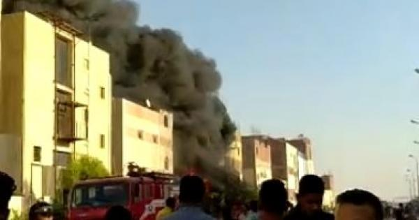 السيطرة على حريق الروبيكى بـ20 سيارة إطفاء.. وإصابة 12 عاملا بحروق واخنتاقات