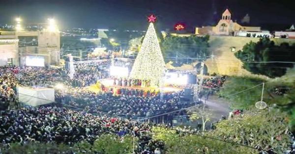 المطران نقولا يتحدث عن العلاقة بين تزيين شجرة الكريسماس وميلاد السيد المسيح