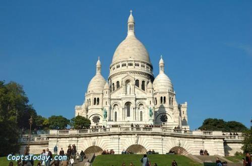 فرنسا تعيد فتح الكنائس بإجراءات وقائية مشددة