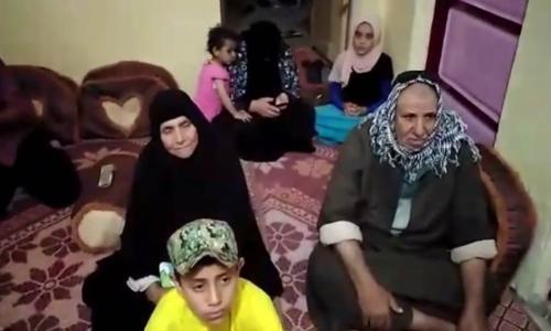 """أسرة الشهيد """"علي علي"""" تشاهد لحظة استشهاده في مسلسل الاختيار  فيديو"""