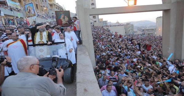 50 سيارة يوميا.. الأنبا يوأنس: إلغاء إحتفالات صيام العذراء بدير درنكة.. وأبواب الدير مفتوحة للصلاة بشروط