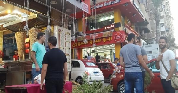 مفاجأة في غلق المطعم السوري احتراما لجاره: خلافات وخسارة 100 ألف جنيه