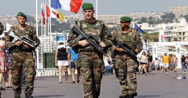 فرنسا تحتجز 7 مشتبه بهم على خلفية قتل معلم التاريخ فى أكتوبر