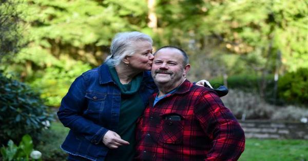 فقدت شعرها وأصيبت بالشلل والهذيان.. أمريكية تنجو من كورونا بعد 25 يومًا على جهاز التنفس الصناعي