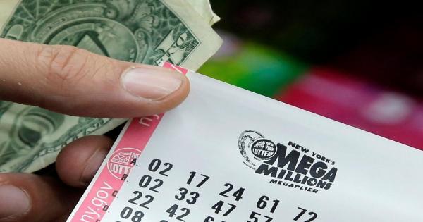 """""""ضربة حظ"""" أمريكي يربح مليار دولار بين ليلة وضحاها!"""
