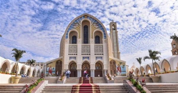 فرد واحد في كل دكة.. الكنيسة الأرثوذكسية تعيد القداسات بدءًا من 31 يناير الجاري