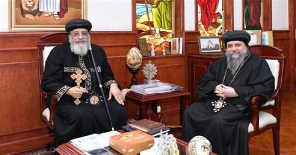البابا تواضروس يستقبل الأنبا ساويروس في مقره الباباوي