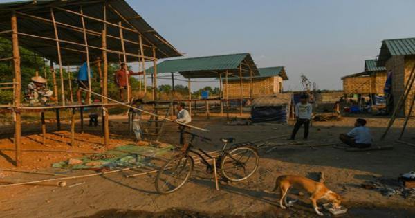 المسيحيون النازحون في ميانمار يعيدون بناء حياتهم في ضواحي يانغون