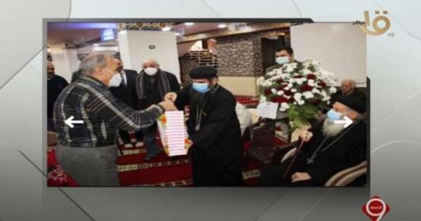 وفد كنسي يقدم الورود لجيرانهم المسلمين في افتتاح مسجد بالمحلة - فيديو