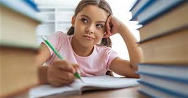 قبل الامتحانات.. 8 أطعمة تساعد على زيادة تركيز الطالب