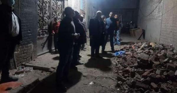 هبوط أرضي وتصدع 10 منازل بسبب التنقيب عن الٱثار في أسيوط (صور)