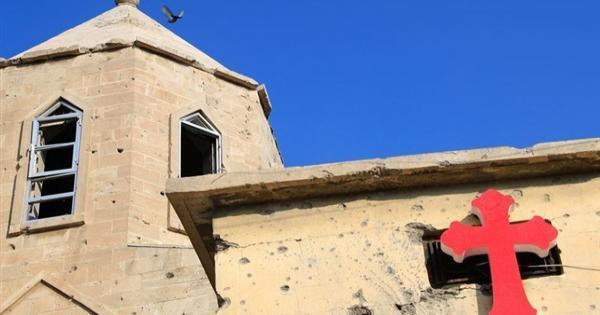 البابا فرانسيس يزور كنائس الموصل التي دنسها الارهاب