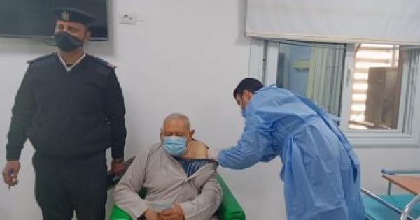 متلقو لقاح كورونا بكفر الشيخ يشيدون بتوفر اللقاحات مجانا: الدولة حريصة على صحتنا