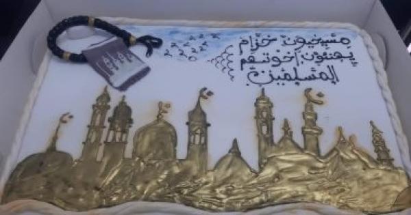 تورتة مسيحيى قرية خزام بقنا تجمع الكنيسة والجامع فى التهنئة بافتتاح مسجد عباد الرحمن