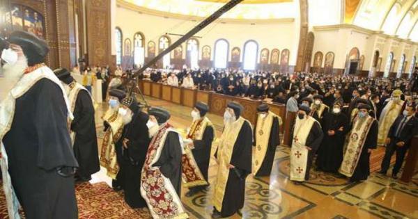 تعليق أجراس منارات كاتدرائية ميلاد المسيح.. والبابا تواضروس يشكر الرئيس السيسي