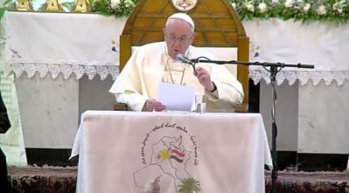 البابا فرانسيس من كنيسة سيدة النجاة: الصعاب جزء من حياة العراقيين.. صور