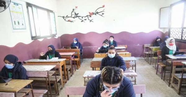أولياء الأمور لـ«التعليم»: خففوا عدد الأسئلة في الامتحانات الشهرية