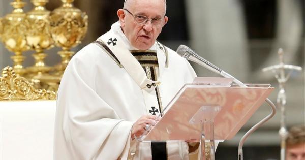 البابا فرنسيس يدعو إلى إنهاء المواجهات في القدس