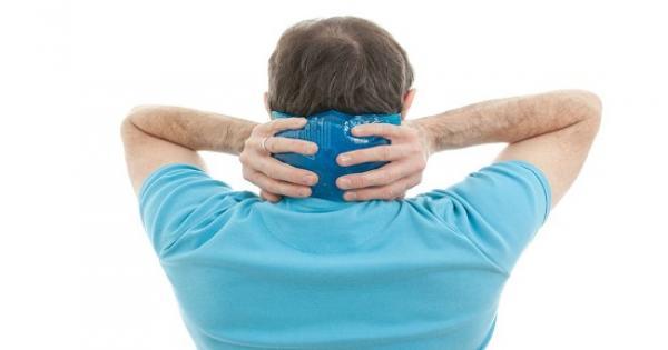 11 نصيحة للتغلب على الموجة الحارة.. ضع منشفة باردة على رقبتك