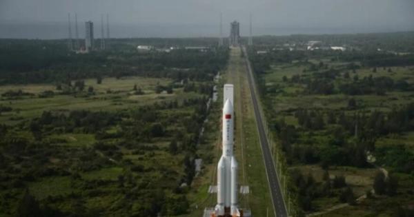 توقعات العلماء تحدد مكان وموعد عودة الصاروخ الصيني إلى الأرض