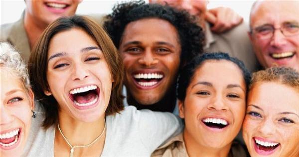 """دراسة : استنشاق """"غاز الضحك"""" يخفف أعراض الاكتئاب"""